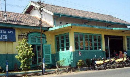 Stasiun kereta api kepanjen Malang